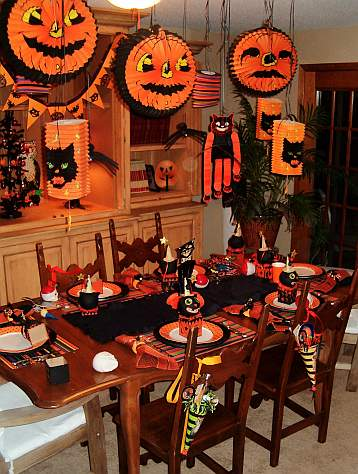 halloween-kids-party-table-2.jpg
